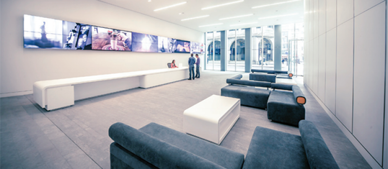 transforming-hospitality-with-digital-signage